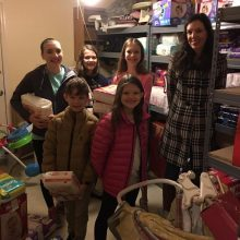 brehon-family-services-volunteers-little-helpers
